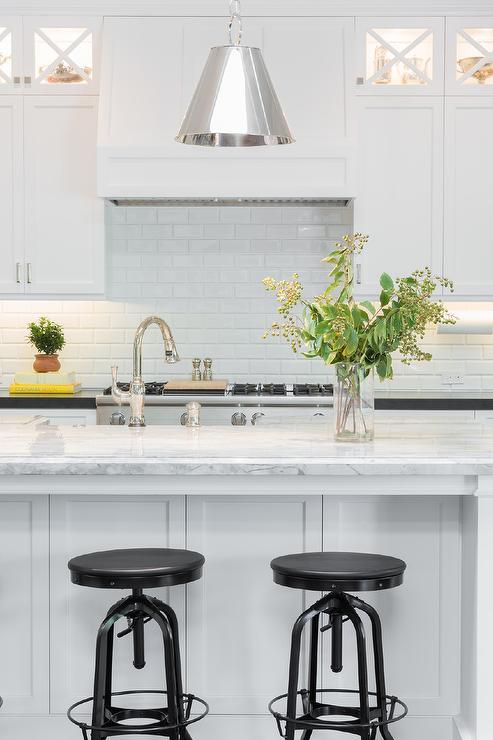 Super White Quartzite - Everything You Need To Know | Aqua Kitchen & Bath Design Center