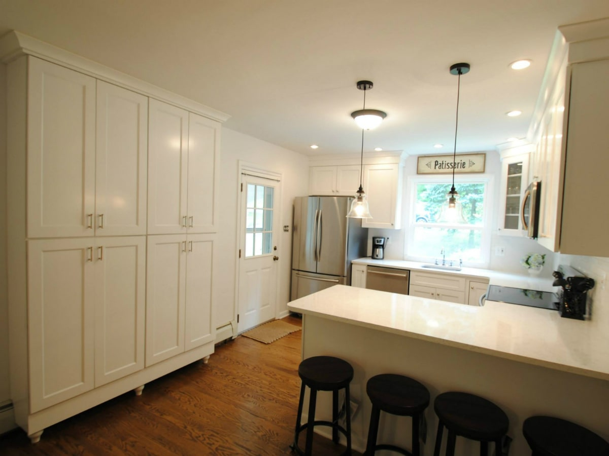 Wolf York White Kitchen Cabinets Factory Direct Price