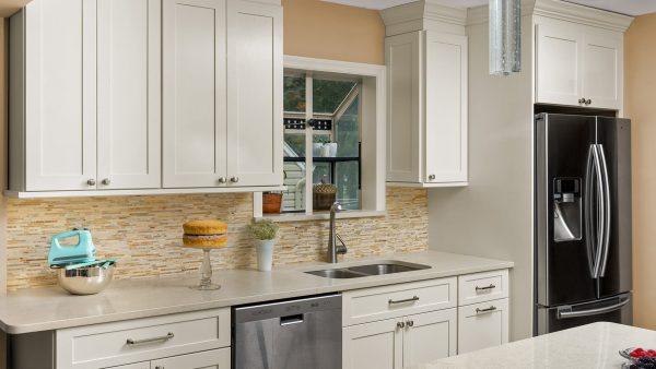 Fabuwood Allure Galaxy Linen Kitchen Cabinets