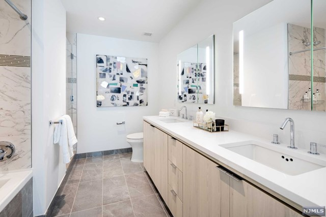 Avora Living Port Imperial, Weehawken, NJ, Interior, Bathroom Photo by Avora Imperial