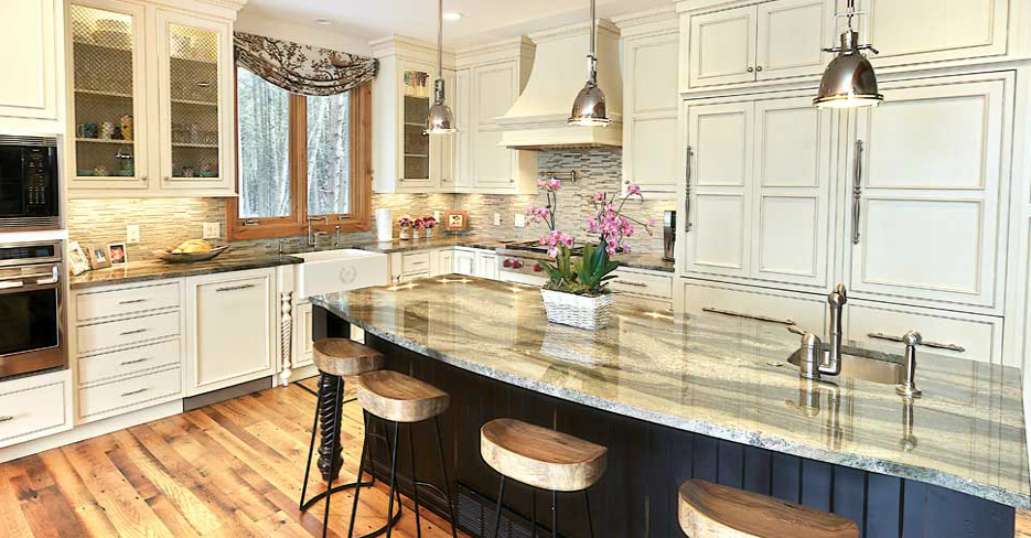 Custom Kitchen Cabinets Athens Door Style by Fieldstone Cabinetry