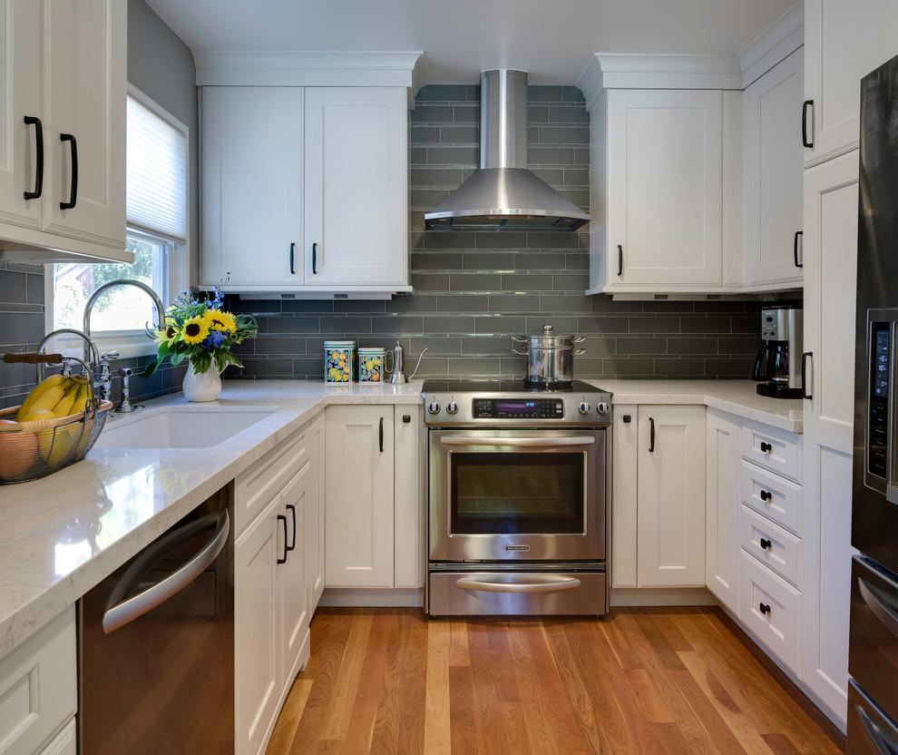 Carrara Quartz Kitchen Countertops Design