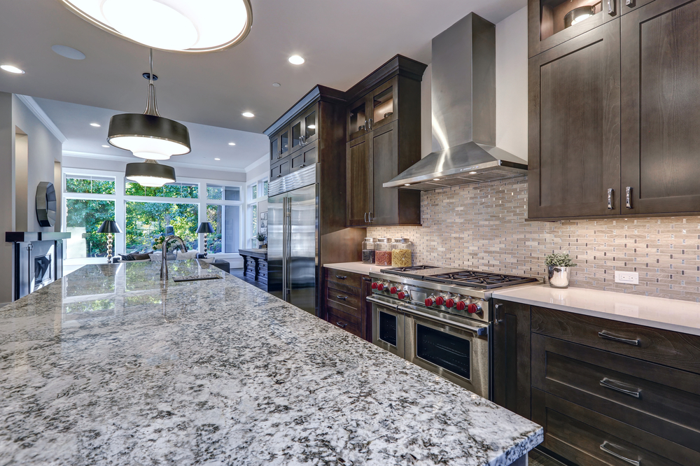 Granite Countertops colors with cabinets