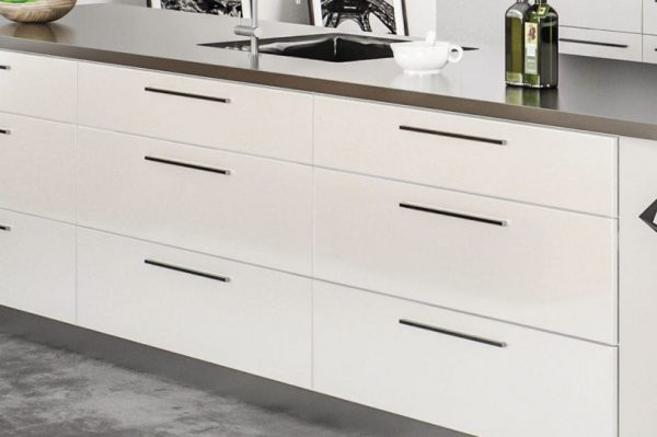 CNC Milano White Classic Kitchen Cabinets